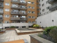 1 Bedroom Flat in Rosemoor House, 90-94 Broadway, West Ealing W13