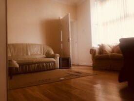 2 Bedroom Apartment 5 Mins From Hanley/Newcastle/Festival Park *PROFESSIONALS ONLY* Furnished= £450