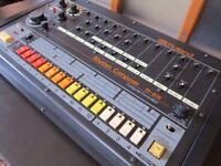 ROLAND TR 808 & TR 909 DRUM MACHINE