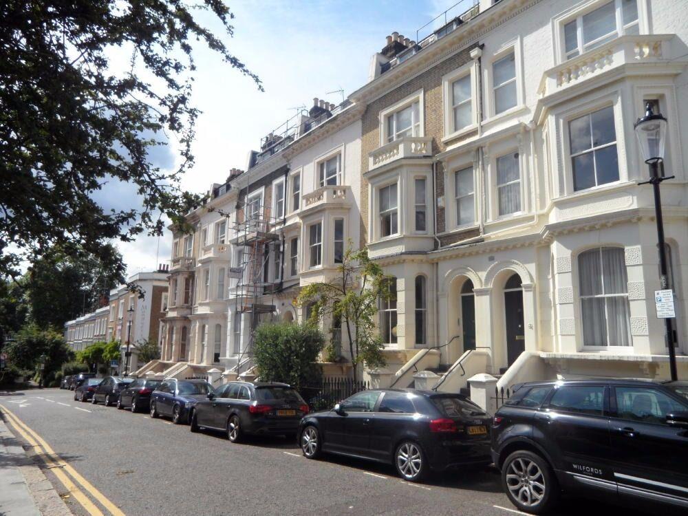 1 Bedroom Flat in Gordon Place, Kensington, London W8