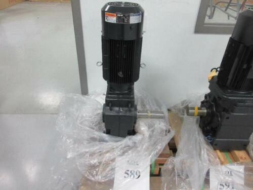 SUMITOMO HYPONIC DRIVE RNHMS8-64L-V1-B-30 GEAR MOTOR TC-F/FB-8B 5.5KW 1700 RPM
