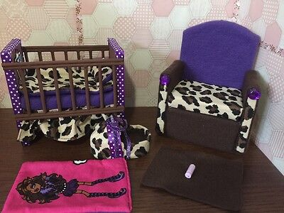 Barbie Or Monster High.Baby Nursery Set furniture crib & sofa & Carrier.Clawdeen](Monster High Baby)