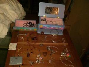 Large collection of kid's / teen's jewellery Belleville Belleville Area image 2