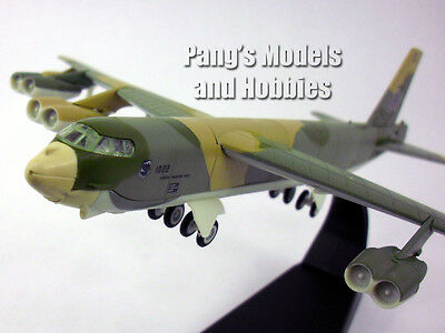 Boeing B 52 Stratofortress  Buff  1 200 Scale Diecast Metal Model By Amercom