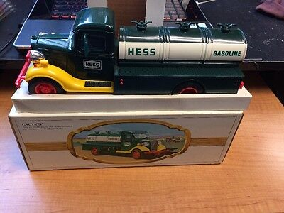 1982 HESS TOY TRUCK FUEL OIL TANKER With Box.