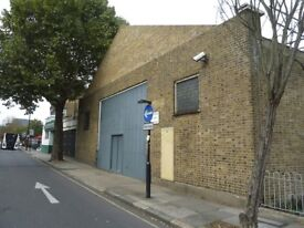 Live work Style unit to rent in 650 sq ft ground floor warehouse with mezzanine in N7 Camden Road