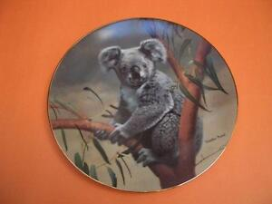 W.S. GEORGE THE KOALA PLATE COMPLETE WITH BOX AND COA London Ontario image 1