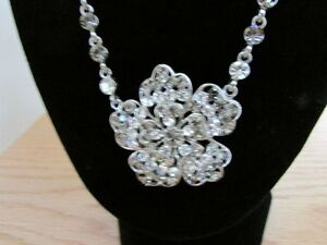 high-end fashion necklace and earrings set