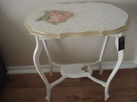 Half price - Pretty side console Table with Roses.