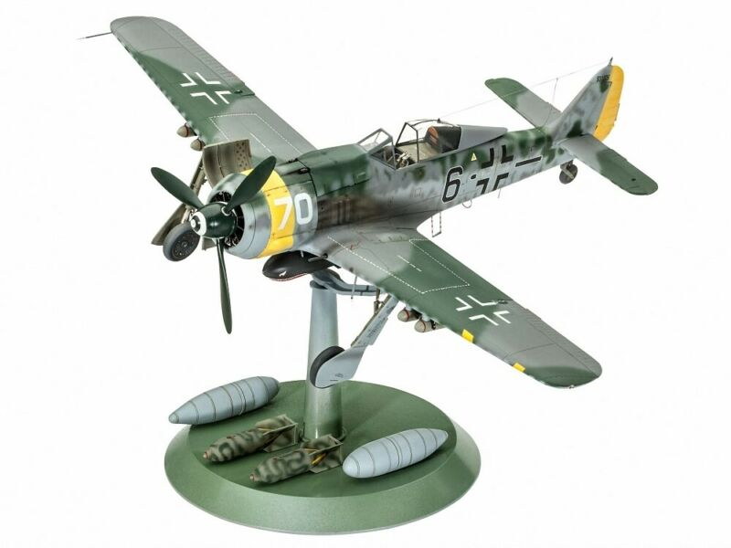 (RV04869) - Revell 1:32 - Focke Wulf Fw190 F-8