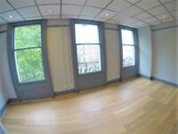 Self contained office to let next to Victoria station £225 per week