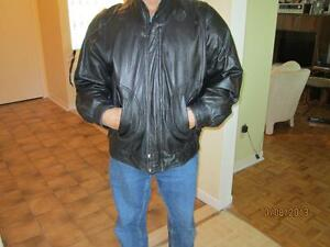 Men's Classic Leather Bomber Jacket West Island Greater Montréal image 1