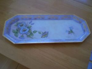 HAND PAINTED DRESSER TRAY SIGNED BY ARTIST Windsor Region Ontario image 1