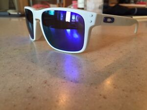 Men's Oakley glasses