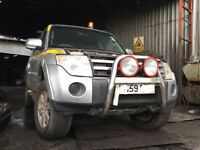 Mitsubishi shogun 3.2 did 2009 2010 breaking spares parts