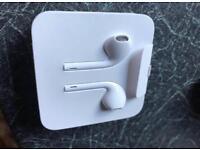 Apple earphones with adaptor