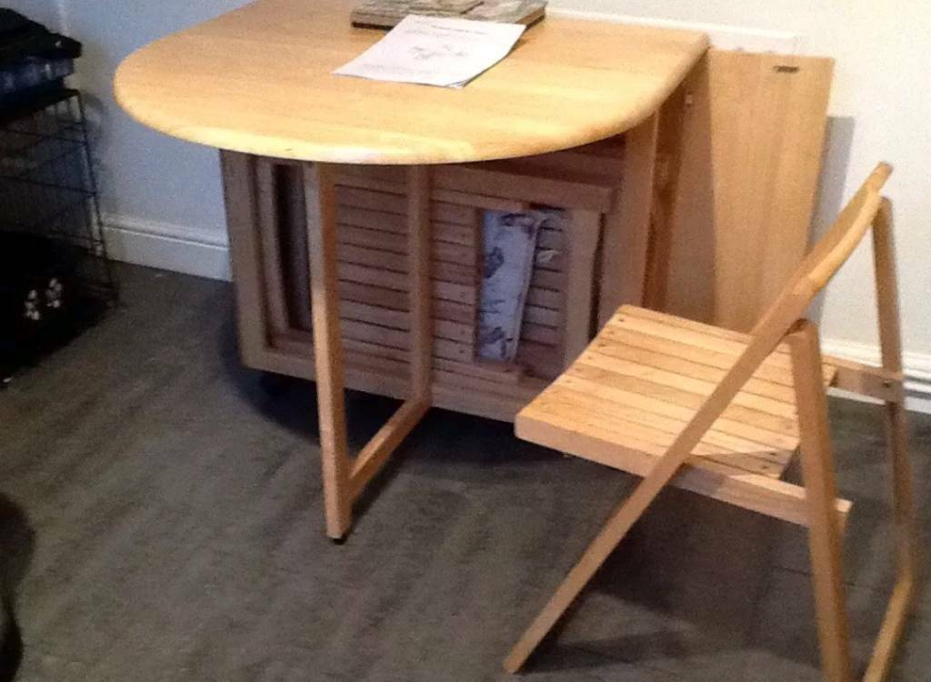 2b28b5e7863e6 John Lewis Butterfly Drop Leaf Table and 4 folding chairs