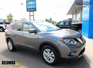 2016 Nissan Rogue SV | AWD | Alloys | Sunroof