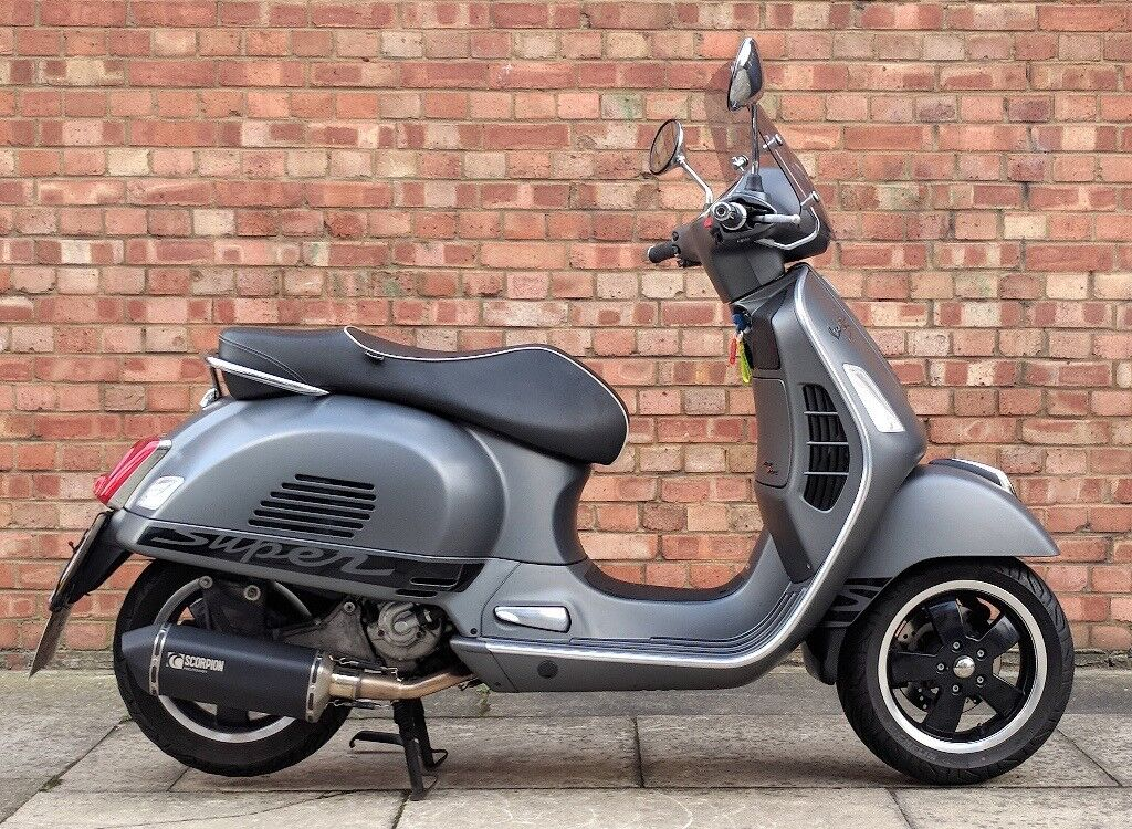 vespa gts 125cc 65 reg immaculate condition with only 3100 miles in aldgate london gumtree. Black Bedroom Furniture Sets. Home Design Ideas
