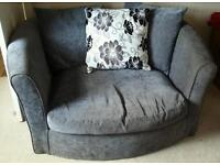 Settee and 'love' chair