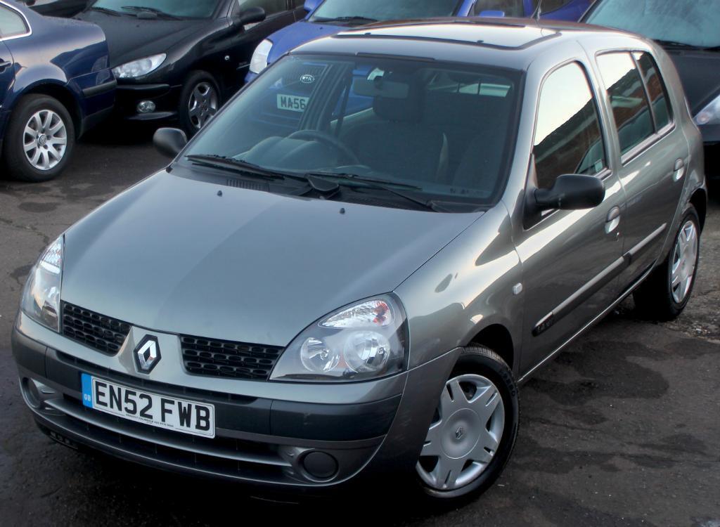 Renault Clio 2003 Interior 2003 52 Renault Clio 1 4