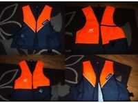 4x Medium Life Jackets (Plastimo & Besto)