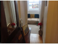 Beautiful small, top floor room to rent in Notting Hill for two weeks