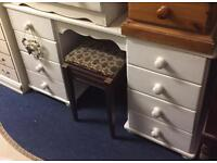 Solid pine Dressing table and matching drawers