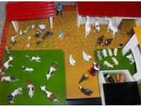 Farmyard with buildings / animals