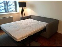 Have a nice time in the London Zone 1! Double room for rent.