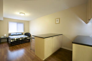 ATTN Students: Large Private Bachelor-Style Rooms! Ensuites! Kitchener / Waterloo Kitchener Area image 4