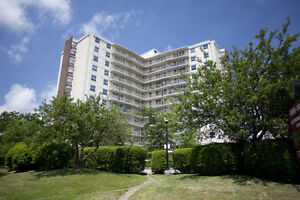 1 Bdrm available at 4000 Lawrence Avenue East, Toronto