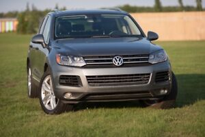 2014 Touareg Execline in superb condition