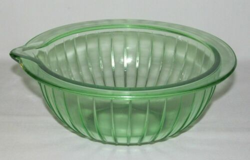 Kitchenware Hocking PANELED Green Medium 1-Spout Batter Bowl