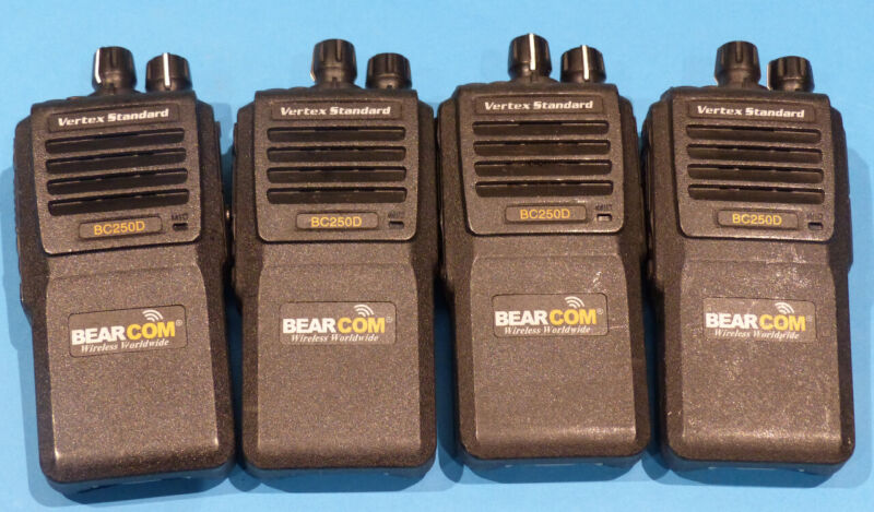 4* BEARCOM BD250D PORTABLE 2-WAY RADIO
