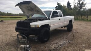 2001 cummins NEEDS TO GO NEED A HOUSE