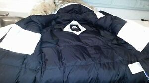 Canada Goose Women / Model  Wistler / Large fit like medium  Oakville / Halton Region Toronto (GTA) image 7