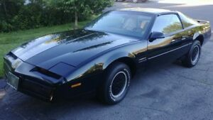 Superbe Pontiac Firebird 1984 original, match number.