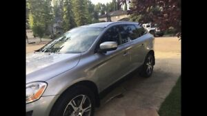 2012 Volvo XC60 T6 AWD - Fully loaded!!
