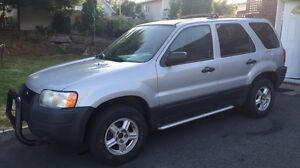 GOOD DEAL 2003 Ford Escape