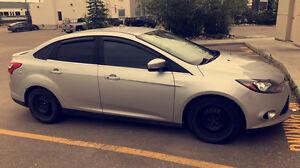 2012 Ford Focus titanium 7500$ OBO