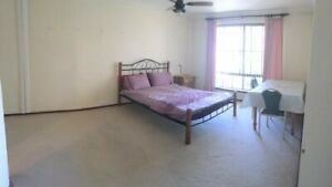 Master Bedroom with Ensuite & Large Bedroom for Rent - Near Curtin Uni