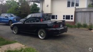 94 5.0 L Ford Mustang convertible rust free car very clean