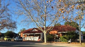 Positively geared investment 5 bed house + 2 bed flat Narrandera Narrandera Area Preview