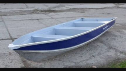 Wanted: Wanted!!! Small boat for garden showpiece