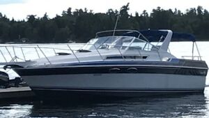 32ft Wellcraft St Tropaz 11.5ft wide $13000