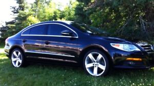 2010 Volkswagen CC Highline 6spd, excellent cond