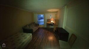 Large bedroom -  400 + 50 utilities  For rent -  wifi cable