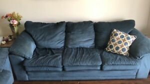 Couch and love seat MUST SELL MOVING