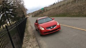 Red Nissan Altima coupe S low km $10500 OBO